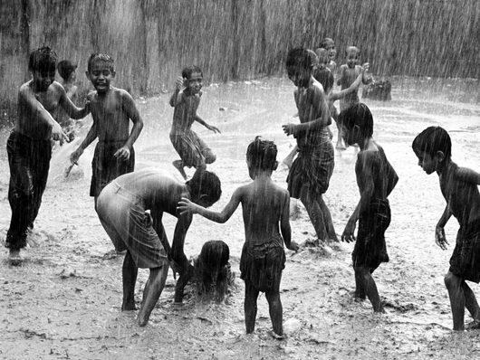 children-play-picture
