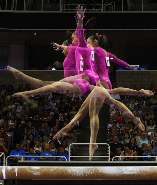 Multiple-exposure-Photos-of-Olympic-Gymnasts